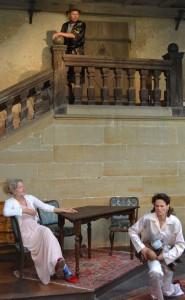 Probenszene mit Udo Rau, Barbara von Münchhausen (links im Bild) und Marie-Louise Gutteck