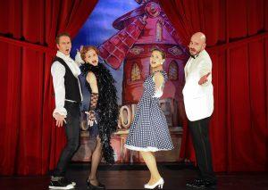 Szene aus Theaterheld und Rampensau; v.l.n.r.: Andreas C. Meyer, Claudia Dölker, Katja Straub, Dave Wilcox; Foto: Jim Albright