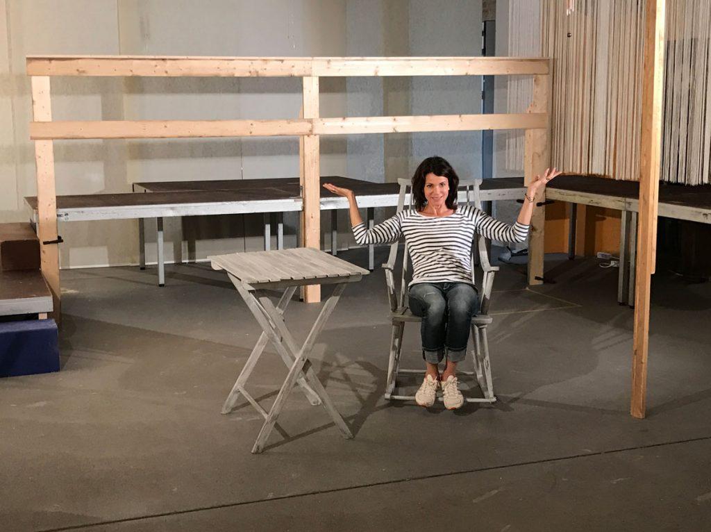 Regisseurin Gerit Kling auf der Probebühne in Berlin